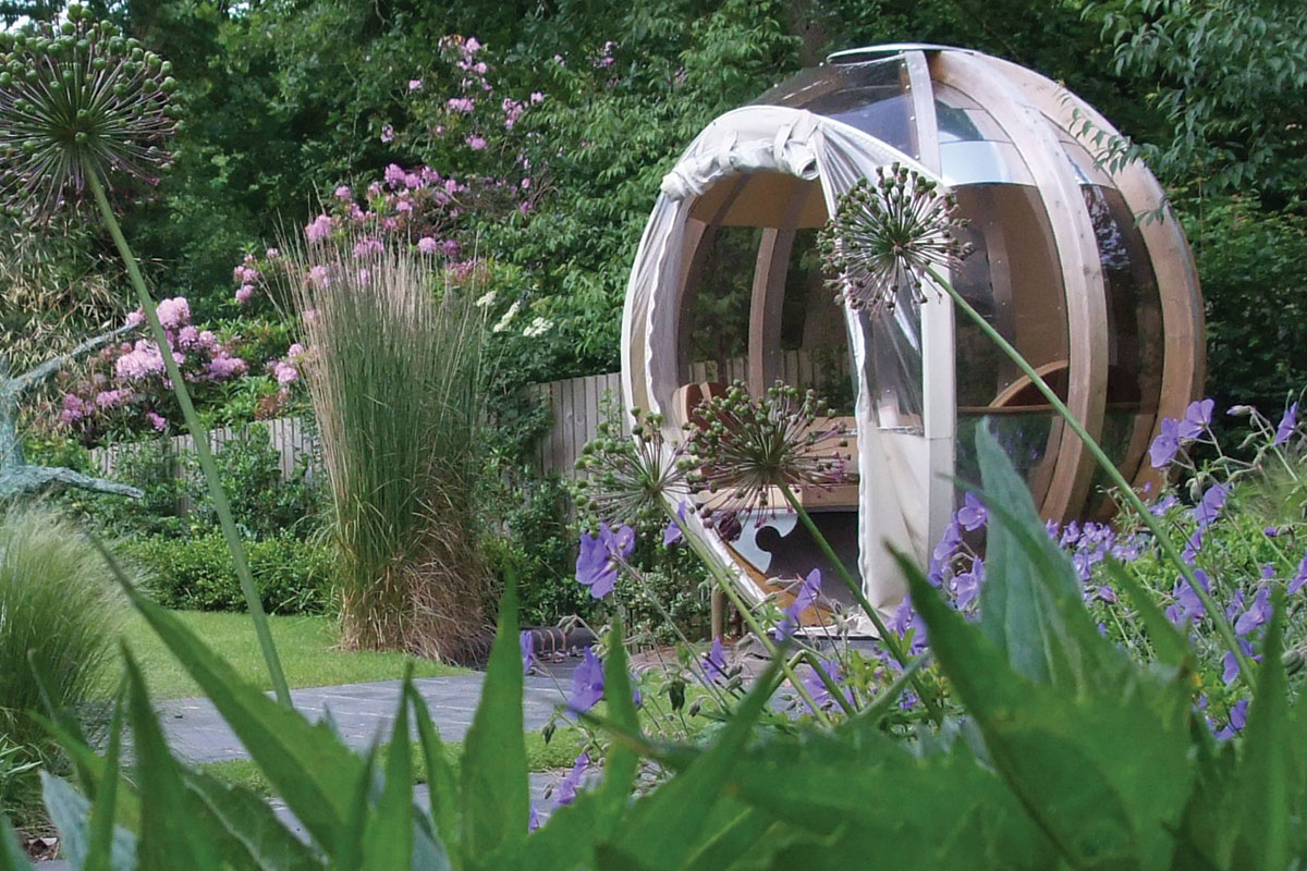 Francesca loves working with her clients to create their perfect garden
